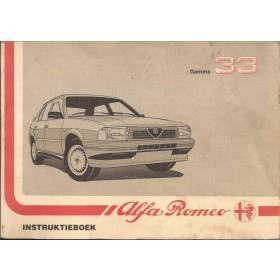 Alfa Romeo 33 Instructieboekje   Benzine Fabrikant 88 met gebruikssporen vette vingers  Nederlands