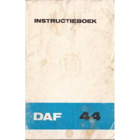 DAF 44 Instructieboekje   Benzine Fabrikant 73 met gebruikssporen lichte vochtschade  Nederlands