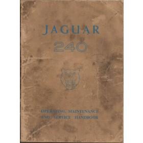 Jaguar 240 Instructieboekje   Benzine Fabrikant 62 c met gebruikssporen kaft met vette vingers  Engels