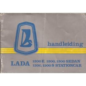 Lada 1200/1300/1500 Instructieboekje   Benzine Fabrikant 82 met gebruikssporen vouw in kaft  Nederlands