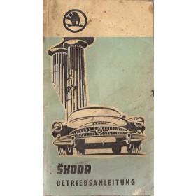 Skoda Octavia Instructieboekje   Benzine Fabrikant 60 met gebruikssporen vouw in kaft  Duits