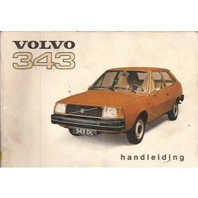 Volvo 343 Instructieboekje   Benzine Fabrikant 76 met gebruikssporen lichte vochtschade  Nederlands