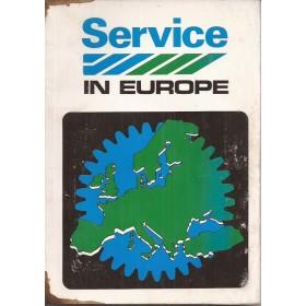 Austin British Leyland Dealerlijst Europa Fabrikant 82 met gebruikssporen kaft met oliesporen Nederlands