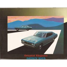 Datsun 200L Laurel brochure 8 pagina's ca 1975 met gebruikssporen Nederlands