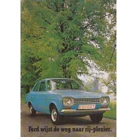 Ford Escort brochure 24 pagina's 74 met gebruikssporen Nederlands